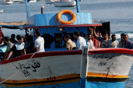 Arab Mediterranean Youth Migration. Who Wants to Leave, and Why?