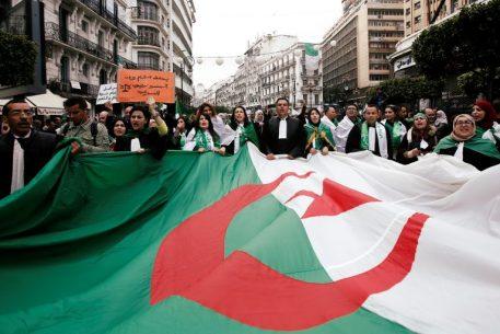 Le retour des jeunes algériens dans l'espace public