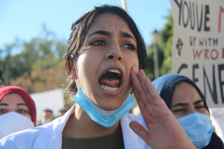 Fuga de médicos en los países del Magreb central: razones e impacto
