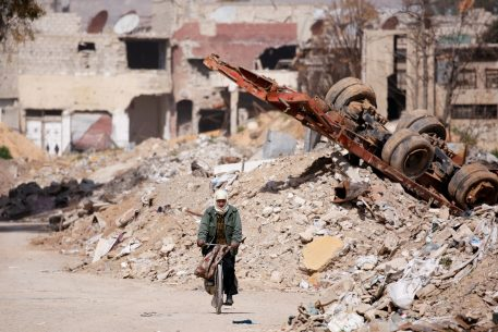 Post-Conflict Re-Construction in MENA: Previous Experiences and Stakeholder's Inclusive Involvement in the Future Reconstruction of Libya, Syria and Iraq