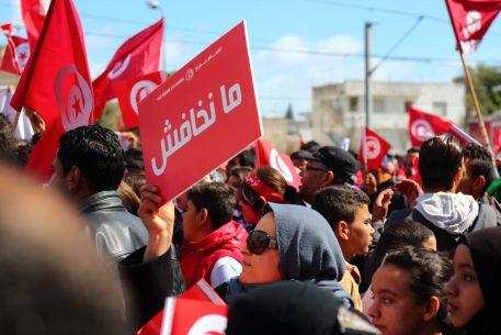 Tres mirades sobre l'extremisme violent a Tunísia